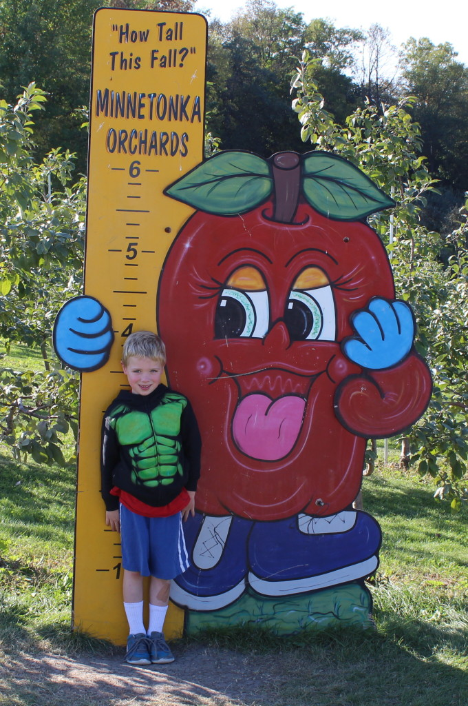 Brecken at the Minnetonka Apple Orchard